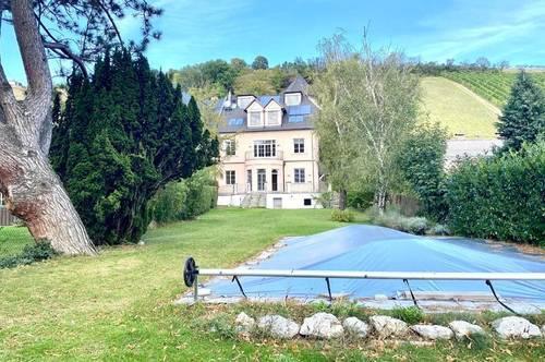 Sanierte Jahrhundertwende Villa mit Pool