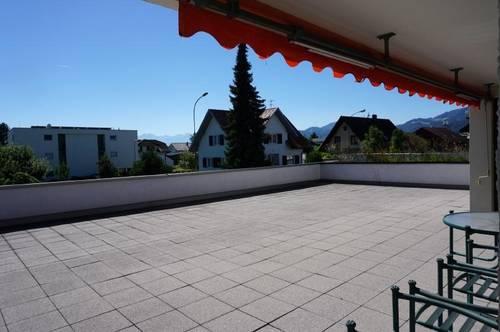 Riesige Terrasse - wunderschöne Aussicht - 3,5 Zimmerwohnung zur Miete!
