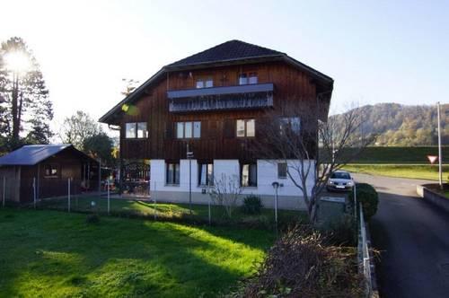 Wohnen in renoviertem Heimathaus - gemütlich & großzügig - Haus mit 3 Wohnungen in Lustenau zu verkaufen!