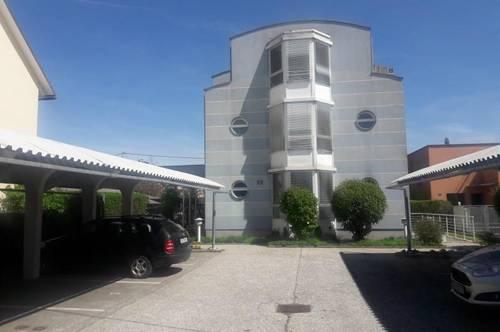 Vollmöblierte 2-Zimmer-Mietwohnung mit Terrasse in sehr guter Lage - inkl. Carport!