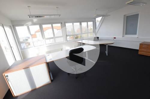 8071 Hausmannstätten: Imposantes Penthouse-Büro mit zwei Dachterrassen!