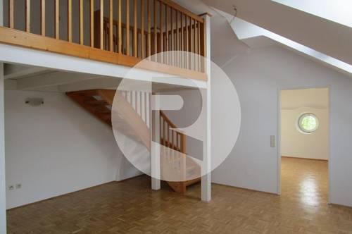 Helle 2-Zimmerwohnung mit Balkon und wunderschönem Fernblick!