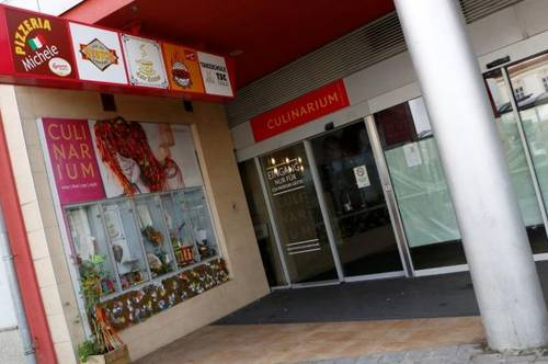 Bestlage Schwechat: Geschäftslokal direkt am Hauptplatz