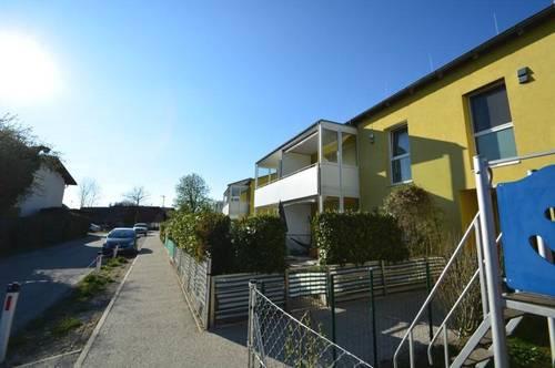 Gut aufgeteilte 2-Zimmer-Wohnung mit Loggia und Einzelgarage