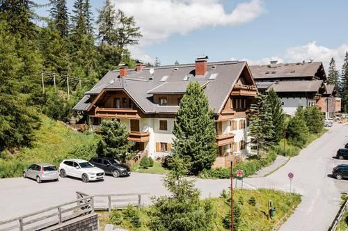 Möblierte Zweitwohnsitz-Wohnung mit Ski-In & Ski-Out Möglichkeit im Zentrum