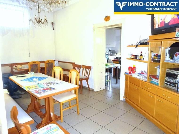 Das Zimmer zwischen der Gaststube und der Küche