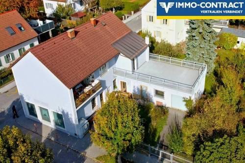 Top Ruhelage aber zentral! - Büros oder Praxis und Wohnen möglich! Mit Garten und großer Terrasse!