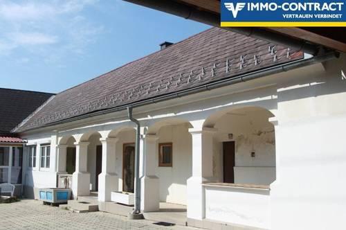 Sanierter und bezugsfertiger Vierkanthof mit Arkadengang im uneinsehbaren Innenhof.