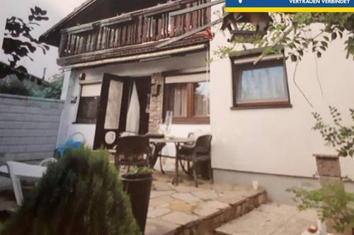 Haus in Kleingartensiedlung mit Fernblick