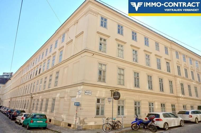 Nostalgisches Biedermeierhaus