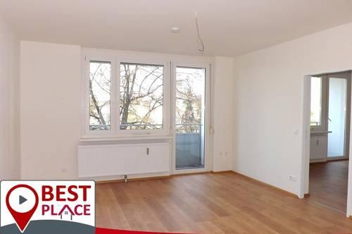 Neu adaptierte Wohnung mit 2 Balkonen