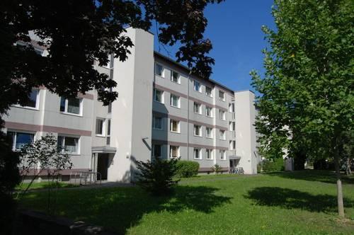 Gemütliches Familiendomizil in kinderfreundlicher Siedlungsanlage - Balkon mit idyllischem Ausblick ins Grüne inklusive! Provisionsfrei!