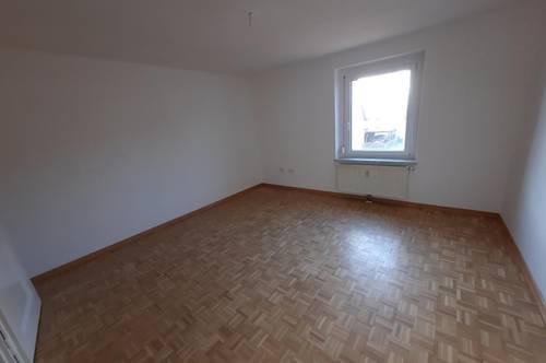 Günstige 2-Zimmer Wohnung im Hochparterre! PROVISIONSFREI!