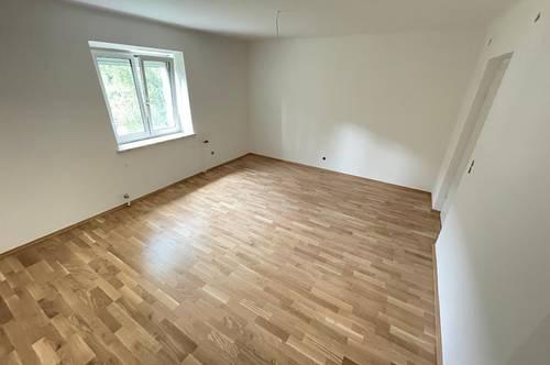 Neu sanierte 3 Zimmer Wohnung! PROVISIONSFREI!