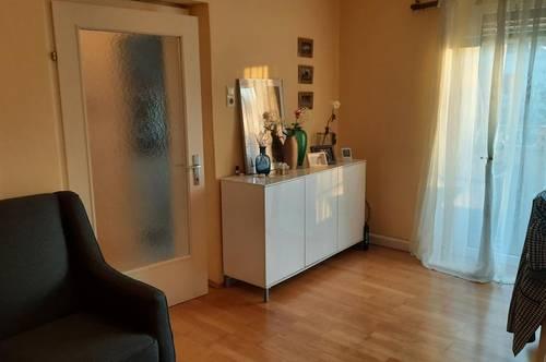 Zentrales Wohnen mit hervorragender Infrastruktur! Ansprechende 3-Zimmer-Wohnung mit Loggia im beliebten Stadtteil Bindermichl! Provisionsfrei!