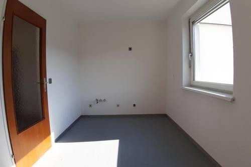 Attraktive 89m² Familienwohnung in Ruhelage mit Balkon, trotzdem zentrumsnah,  mit Parkplatz. Provisionsfrei!