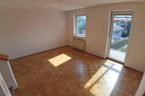 Lichtdurchflutete 3-Raum-Maisonette-Wohnung mit Garage in Toplage mit sonnigem Balkon!  Provisionsfrei!