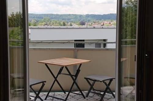 Großzügige 3-Zimmer Wohnung umgeben von Grünanlagen aber dennoch perfekte Infrastruktur! Provisionsfrei!