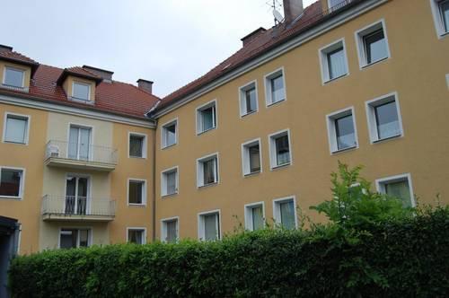 Leistbare Single-Wohnung in zentraler Lage in Perg! Umgeben von einer ausgezeichneten Infrastruktur und vielen Freizeitmöglichkeiten! Provisionsfrei!