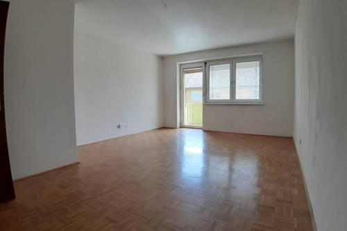 3-Zimmer- Familienwohnung im 2. OG mit Balkon in ruhiger Grünlage, provisionsfrei