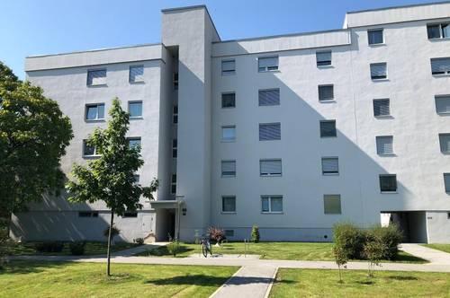 Ideale helle und  geräumige Familienwohnung im 1. OG mit Lift, 3 Zimmer mit Balkon, provisionsfrei!