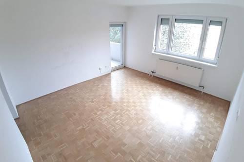 Günstiger Wohn(t)raum - 3-Zimmer-Wohnung, getrennt begehbar - ideal für Hausstandsgründung - im 3. OG mit Balkon