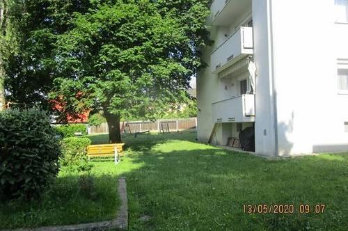 3-Raum-Wohnung mit Balkon in kinderfreundlicher, sanierter Siedlung! Ideal für ruhesuchende Familien! Viele Grünflächen u. beste Infrastruktur!