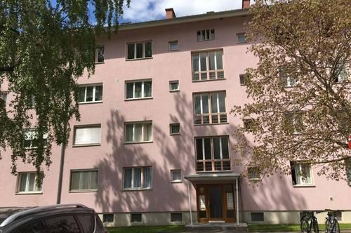 Neu sanierte, sonnige 2-Raum Wohnung mit Balkon im Herzen der Siedlung Trofaiach Nord! PROVISIONSFREI!
