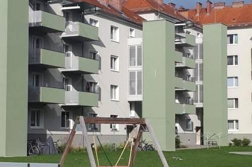 Sanierte 2-R.-Wohnung mit Balkon! Angenehme Wohnatmosphäre dank umfangreicher Revitalisierung! Viele Freizeitmöglichkeiten, praktische Infrastruktur!