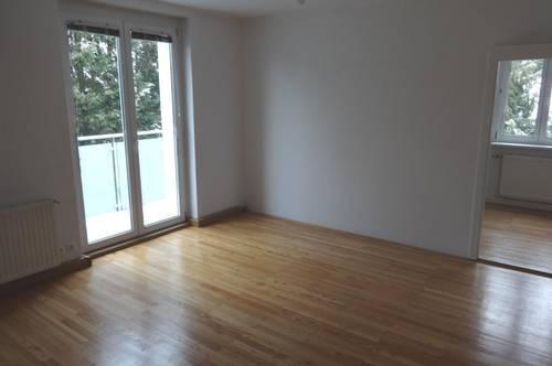 Sehr attraktive 3-Zimmer Wohnung mit Balkon in der wunderschönen Region um den Attersee! Nah am See und am Zentrum gelegen! Provisionsfrei!