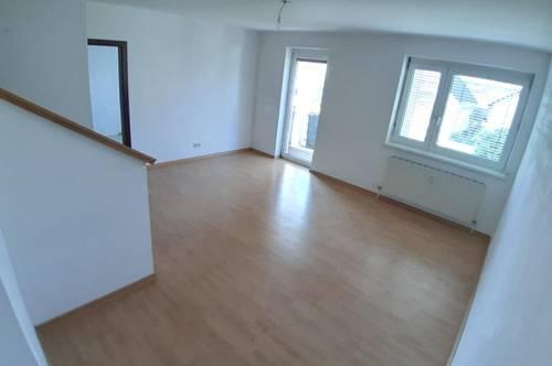 Sonnige Maisonette-Wohnung mit Balkon in zentraler Voitsberger Lage! Ausgezeichnete Infrastruktur! Provisionsfrei!