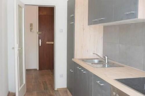 Sanierte Eigentumswohnung mit neuer Küche und Balkon in einer TOP GEGEND in Baden!