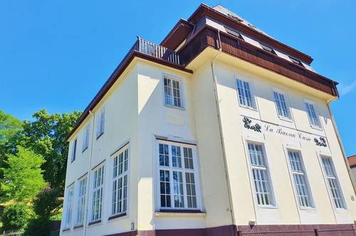 2 Zimmer Wohnung in Villa - zzgl. Heizung und Parkplatz