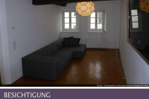 2-Zimmer Dachgeschoss-Wohnung, Altbau (Halleiner Altstadt, Fussgängerzone)
