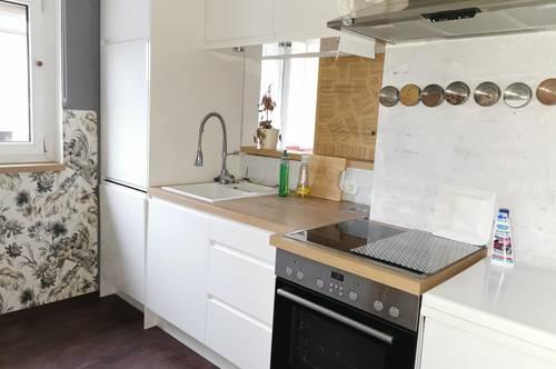 Moderne und gut geschnittene 3 - Zimmer Wohnung mit Einbauküche