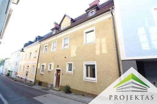 Altes Haus am Römerberg mit viel Potential! | 360° Rundgang online!
