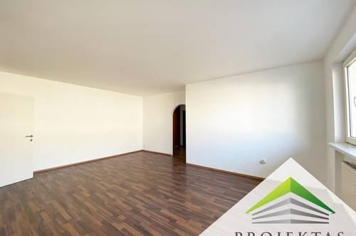 Großzügige 3 Zimmer Wohnung mit Balkon in ruhiger Lage