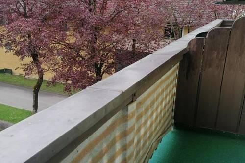 Single Garcionerre mit Balkon in ruhiger zentraler Lage