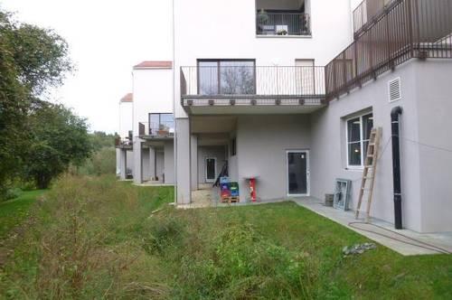 Erstbezug / Neu errichtete, sonnige Mietwohnung mit Terrasse und Grünblick  / TOP 3