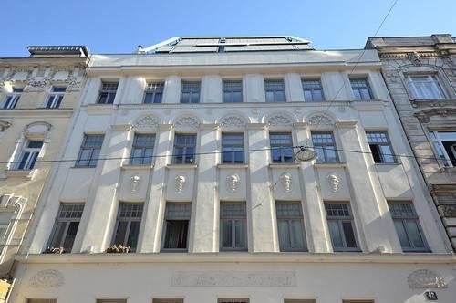 ZU DEN DREI HERZEN: 4-Zimmer, DG-Maisonette, Terrassen Richtung grünem Innenhof, provisionsfrei