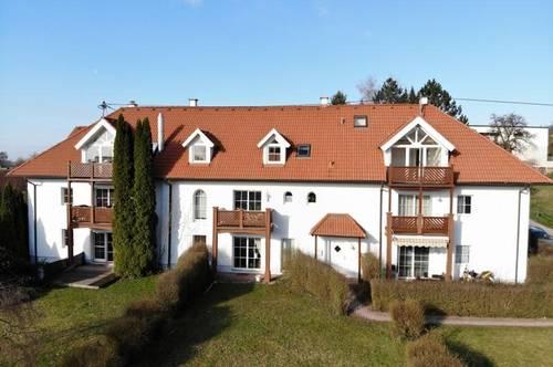Schöne Dachwohnung in 4-Kanter zu vermieten Top 25