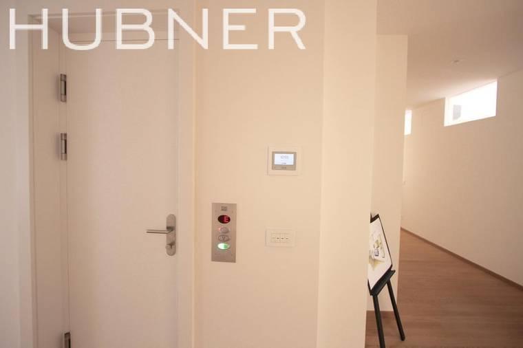 Eigener Lift in Wohnung und Technikpanel