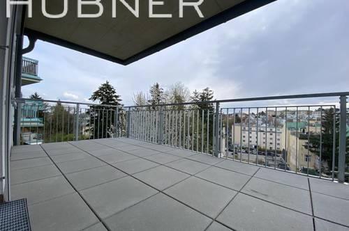 ERSTBEZUG mit super-großem, überdachten SÜD-Balkon!