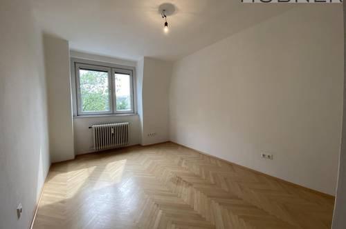 Helle, top-aufgeteilte 3 Zimmer DG Wohnung ohne Schrägen!!!