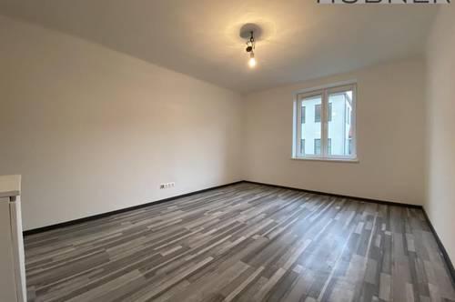 UNBEFRISTET!!! Neu-sanierte 2 Zimmer Wohnung in bester Innenstadtlage!!