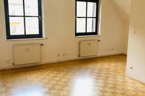 360° Tour! Schöne 3 Zimmer Wohnung in der Nähe vom Schloss Eggenberg!