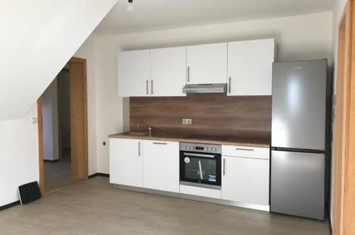 Ziernfeldgasse 10 - Prima Familien- oder WG-Wohnung im Dachgeschoss zu vermieten!