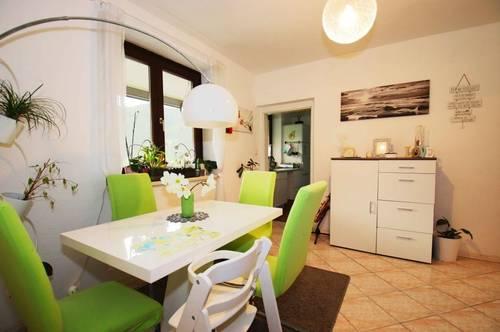 °° ruhige, 4 Zimmer Eigentumswohnung mit Balkon und Tiefgaragenplatz#/IMS IMMOBILIEN KG