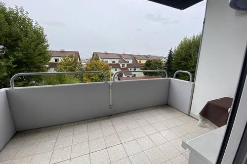 Top Angebot! Schöne 3,5 Zimmer- Wohnung mit Terrasse und PKW Abstellplatz in toller Lage!