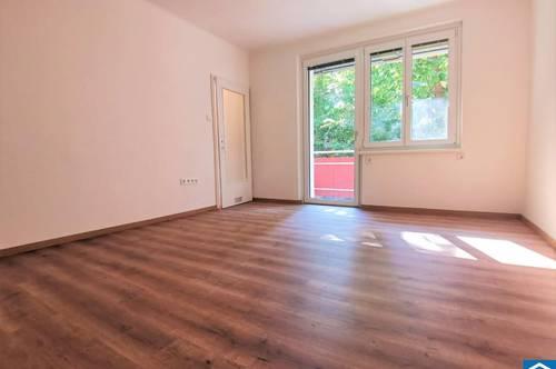 Provisionsfreier Erstbezug nach Generalsanierung- Singlewohnung mit Balkon in ausgezeichneter Lage